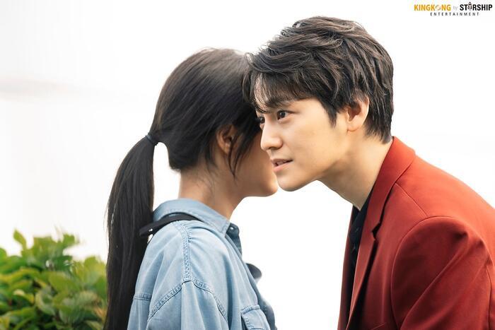 101 khoảnh khắc khó cưỡng trước Kim Bum trong 'Bạn trai tôi là hồ ly': Áo đỏ chứng tỏ chồng em! 50