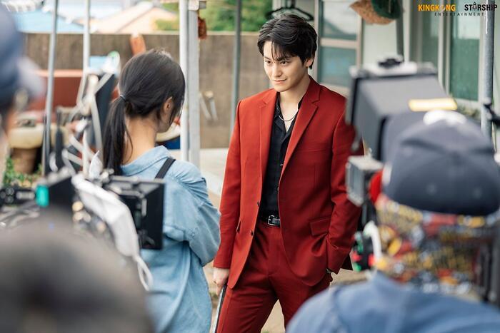 101 khoảnh khắc khó cưỡng trước Kim Bum trong 'Bạn trai tôi là hồ ly': Áo đỏ chứng tỏ chồng em! 55