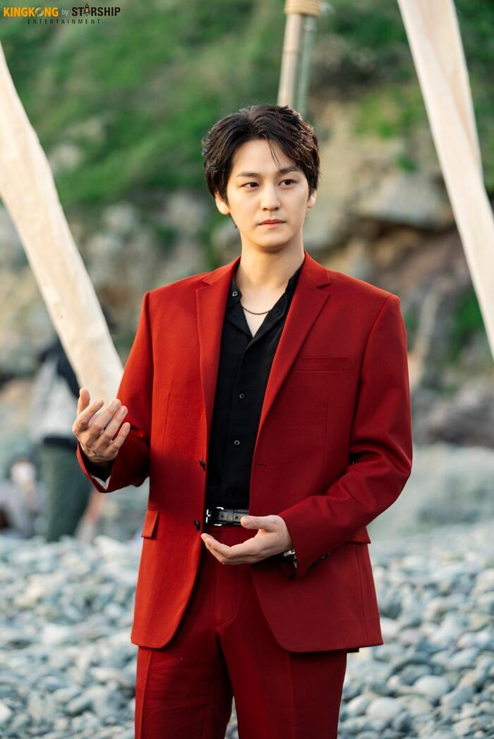 101 khoảnh khắc khó cưỡng trước Kim Bum trong 'Bạn trai tôi là hồ ly': Áo đỏ chứng tỏ chồng em! 58