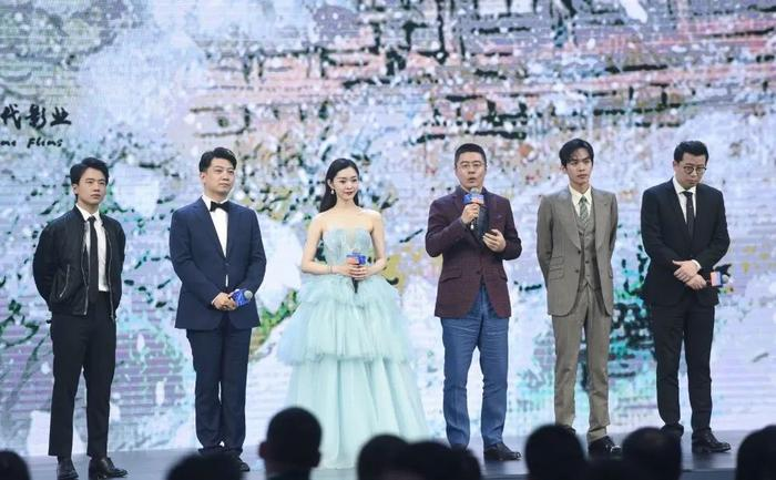 Chân dung nam diễn viên được dân mạng đề cử thay thế Tiêu Chiến đóng 'Khánh dư niên' phần 2 1