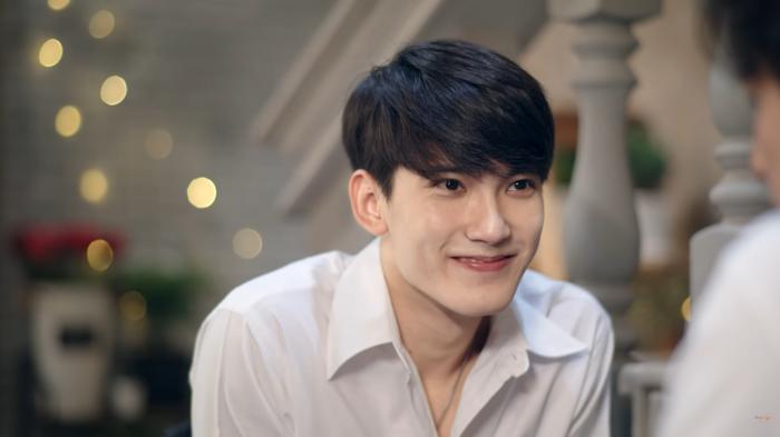 First Chalongrat - chàng 'tiểu tam' điển trai khiến fan bấn loạn trong 'TharnType 2: 7 Years of Love' 2