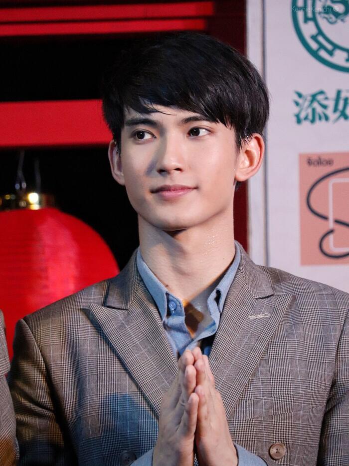 First Chalongrat - chàng 'tiểu tam' điển trai khiến fan bấn loạn trong 'TharnType 2: 7 Years of Love' 5