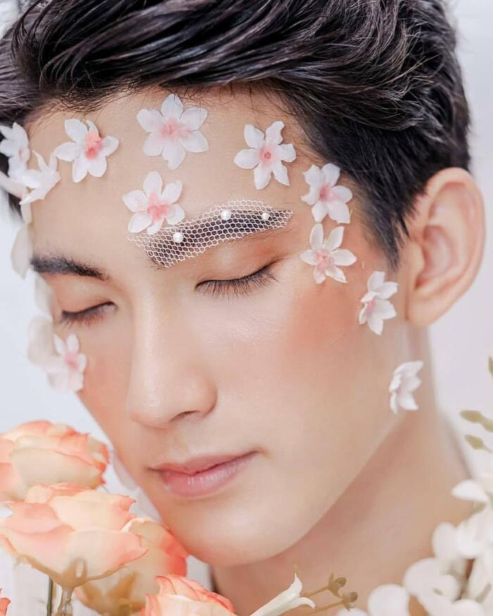 First Chalongrat - chàng 'tiểu tam' điển trai khiến fan bấn loạn trong 'TharnType 2: 7 Years of Love' 21