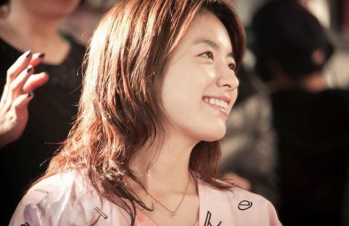 Han Hyo Joo bất ngờ đăng ảnh 'tình tứ' với So Ji Sub trong quá khứ 1