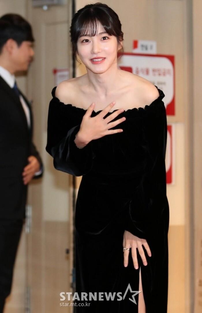 Goo Hye Sun rạng rỡ sau ly hôn, đọ sắc loạt sao Hàn trên thảm đỏ 'LHP Bucheon 2020' 5