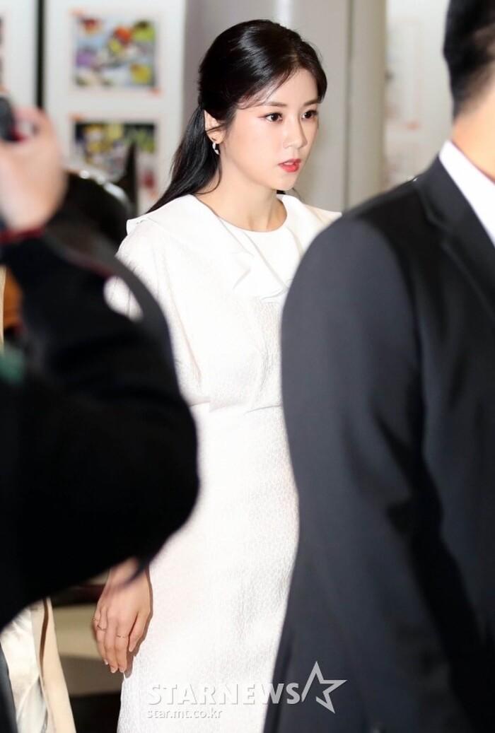 Goo Hye Sun rạng rỡ sau ly hôn, đọ sắc loạt sao Hàn trên thảm đỏ 'LHP Bucheon 2020' 14