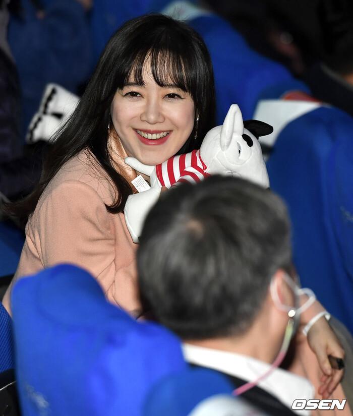 Goo Hye Sun rạng rỡ sau ly hôn, đọ sắc loạt sao Hàn trên thảm đỏ 'LHP Bucheon 2020' 29