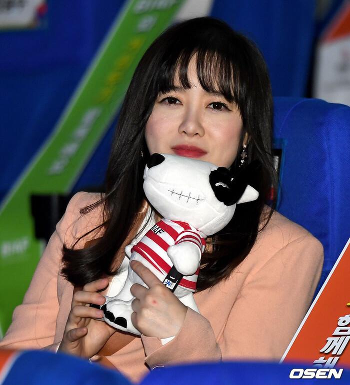 Goo Hye Sun rạng rỡ sau ly hôn, đọ sắc loạt sao Hàn trên thảm đỏ 'LHP Bucheon 2020' 27