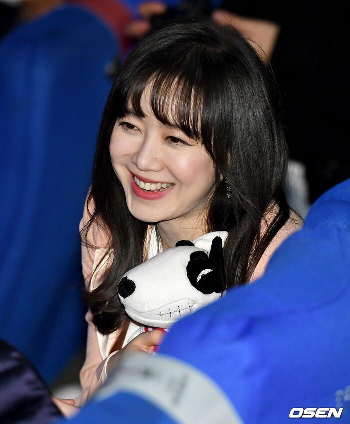 Goo Hye Sun rạng rỡ sau ly hôn, đọ sắc loạt sao Hàn trên thảm đỏ 'LHP Bucheon 2020' 28