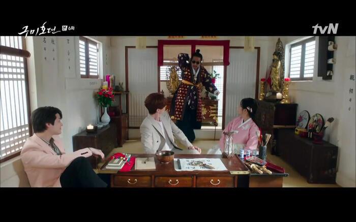 Những phân cảnh ấn tượng nhất tập 6 'Bạn trai tôi là hồ ly': Nụ hôn bất ngờ, thân phận xà tộc của Jo Bo Ah 7