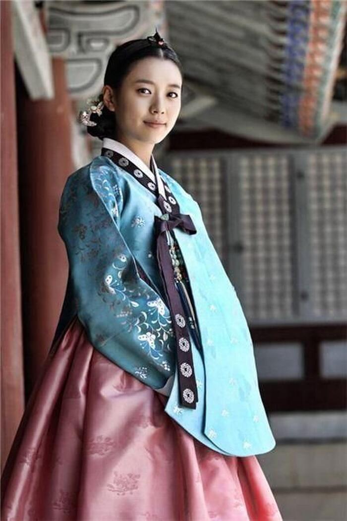 Han Hyo Joo.