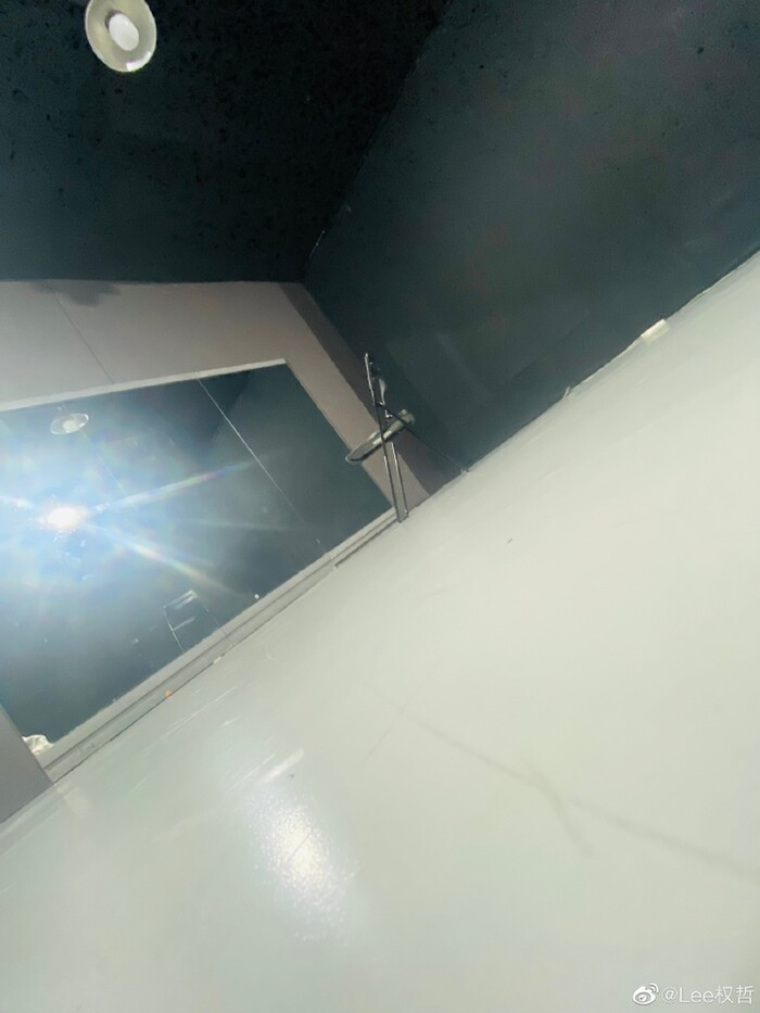 Hình ảnh ở phòng tập do thành viên của NEX7 đăng tải