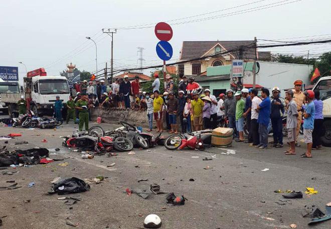 Hiện trường vụ tai nạn thảm khốc khiến 4 người tử vong.