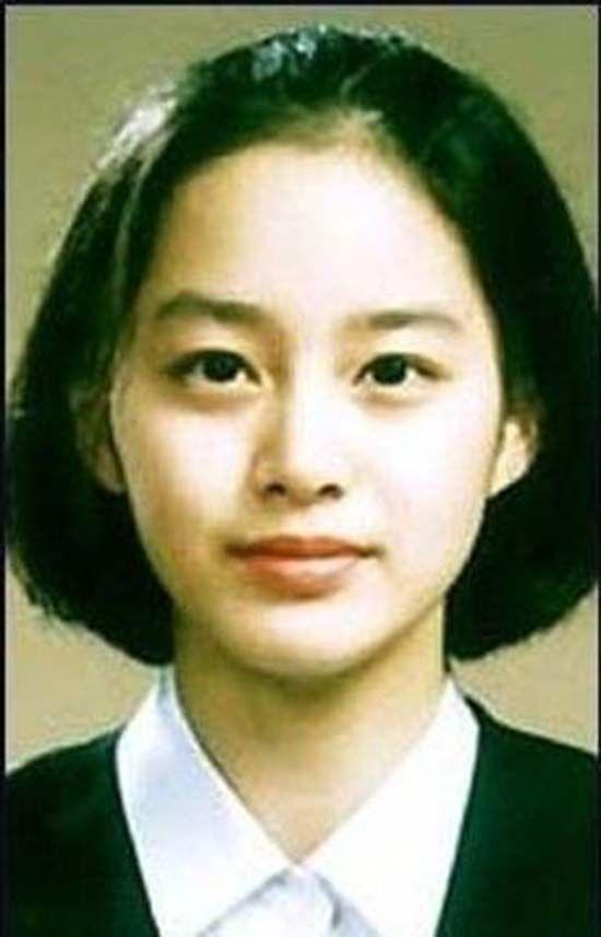 Vẻ đẹp của Kim Tae Hee: Từ nữ thần đại học đến biểu tượng nhan sắc, cả cái bóng phản chiếu trên tường cũng thừa sức gây sốt 0