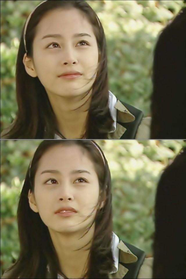 Vẻ đẹp của Kim Tae Hee: Từ nữ thần đại học đến biểu tượng nhan sắc, cả cái bóng phản chiếu trên tường cũng thừa sức gây sốt 9