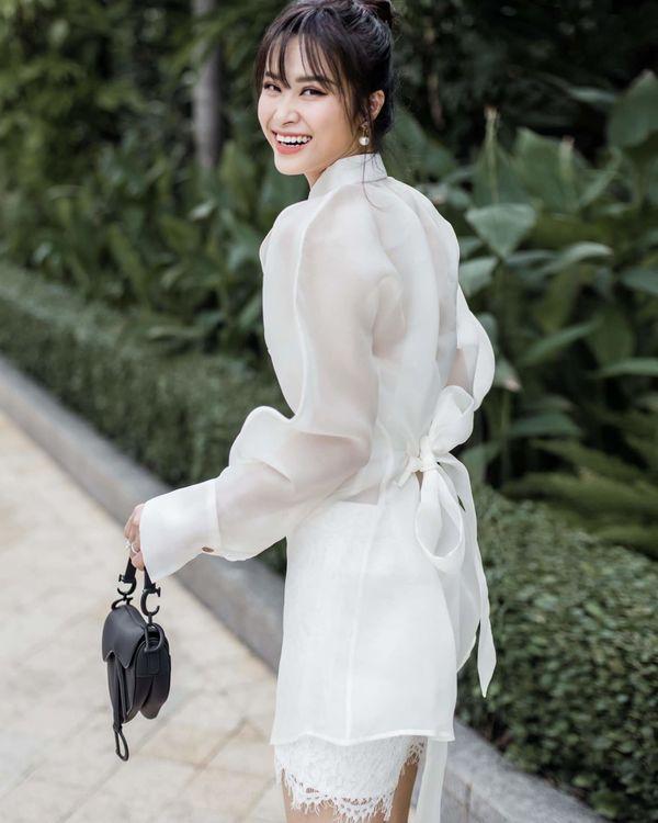 Từ sau đính hôn, Đông Nhi càng ngày càng đẹp, gu thời trang sang trọng khó cưỡng 3