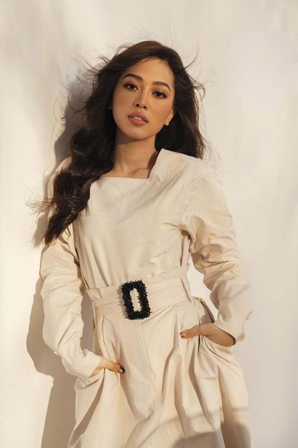 Với gương mặt xinh đẹp, làn da trắng trẻo và lợi thế về ngoại hình, Bùi Phương Nga luôn là một cái tên nhận được sự ưu ái và quan tâm của khán giả. Ngay sau khi đăng quang ngôi vị Á hậu 1 - Hoa hậu Việt Nam 2018, Bùi Phương Nga chính thức đại diện Việt Nam tại cuộc thi Miss Grand International. Với sự ủng hộ và bình chọn của khán giả, Bùi Phương Nga đã xuất sắc lọt vào Top 10 của cuộc thi đồng thời đánh dấu một bước ngoặt lớn cho nhan sắc Việt trên đấu trường quốc tế.