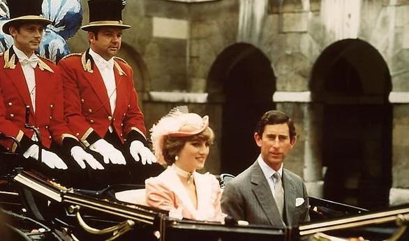 Mẹ của Công nương Diana tin rằng Charles thật lòng trân trọng con gái bà