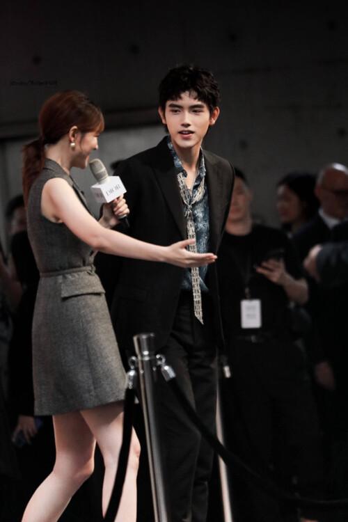 Đêm hội Dior 2020: Vương Tuấn Khải tựa hoàng tử, Triệu Lệ Dĩnh - Angela Baby đẹp áp đảo Ngô Cẩn Ngôn 17