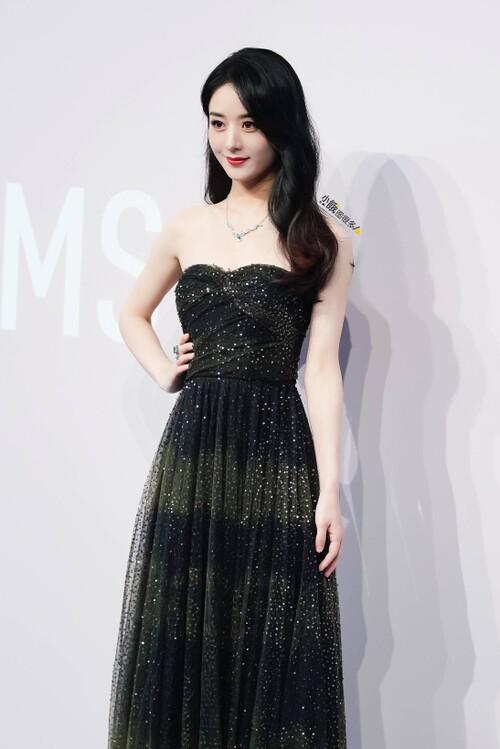 Đêm hội Dior 2020: Vương Tuấn Khải tựa hoàng tử, Triệu Lệ Dĩnh - Angela Baby đẹp áp đảo Ngô Cẩn Ngôn 60