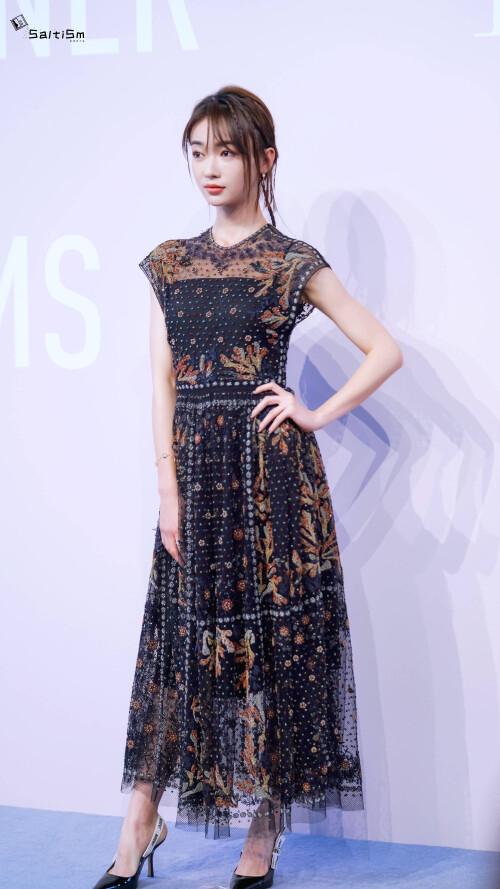 Đêm hội Dior 2020: Vương Tuấn Khải tựa hoàng tử, Triệu Lệ Dĩnh - Angela Baby đẹp áp đảo Ngô Cẩn Ngôn 70