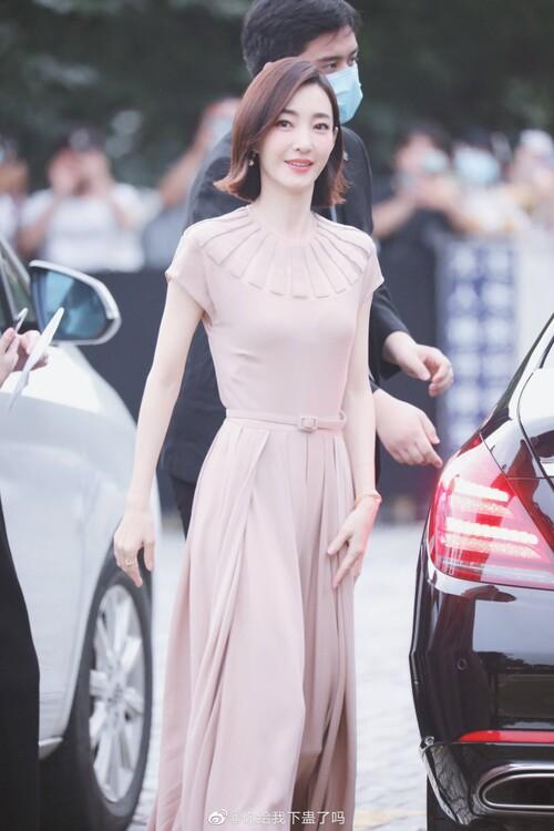 Đêm hội Dior 2020: Vương Tuấn Khải tựa hoàng tử, Triệu Lệ Dĩnh - Angela Baby đẹp áp đảo Ngô Cẩn Ngôn 78