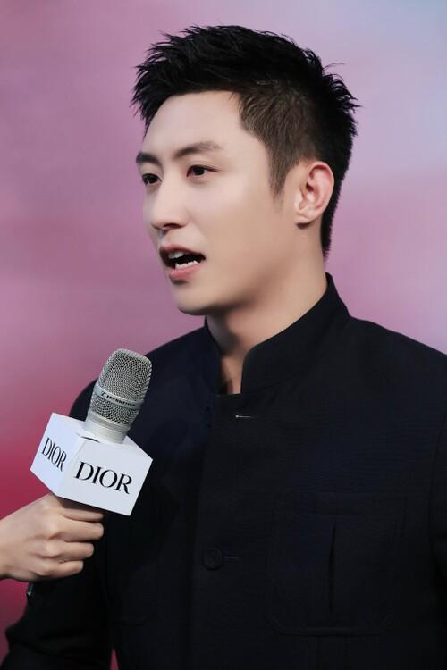 Đêm hội Dior 2020: Vương Tuấn Khải tựa hoàng tử, Triệu Lệ Dĩnh - Angela Baby đẹp áp đảo Ngô Cẩn Ngôn 115