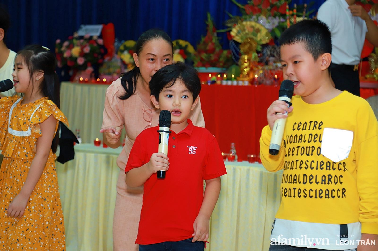 Khánh Thi - Phan Hiển tất bật tổ chức lễ giỗ Tổ nghiệp 9