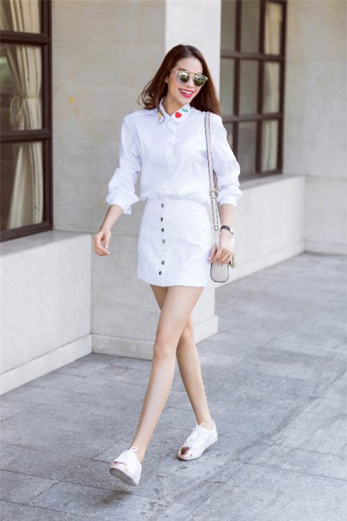 3 công thức phối sơ-mi trắng hoàn hảo trong mùa thu đông 2020 vừa dễ mặc vừa thời trang mà cô nàng nào cũng muốn sở hữu 1