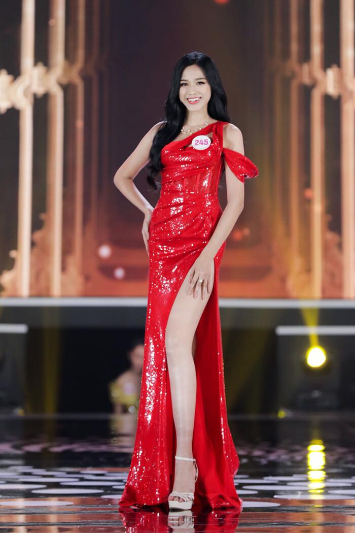 Cận cảnh ngôi trường tân Hoa hậu Việt Nam 2020 Đỗ Thị Hà đang theo học 1