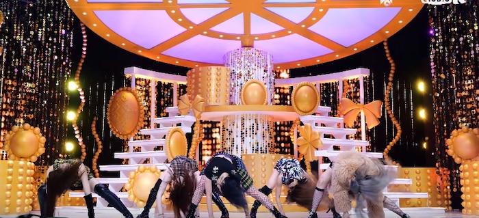 Lia (ITZY) tiếp tục gây tranh cãi về vũ đạo, thể hiện rõ không theo kịp bước nhảy của 4 thành viên còn lại 0