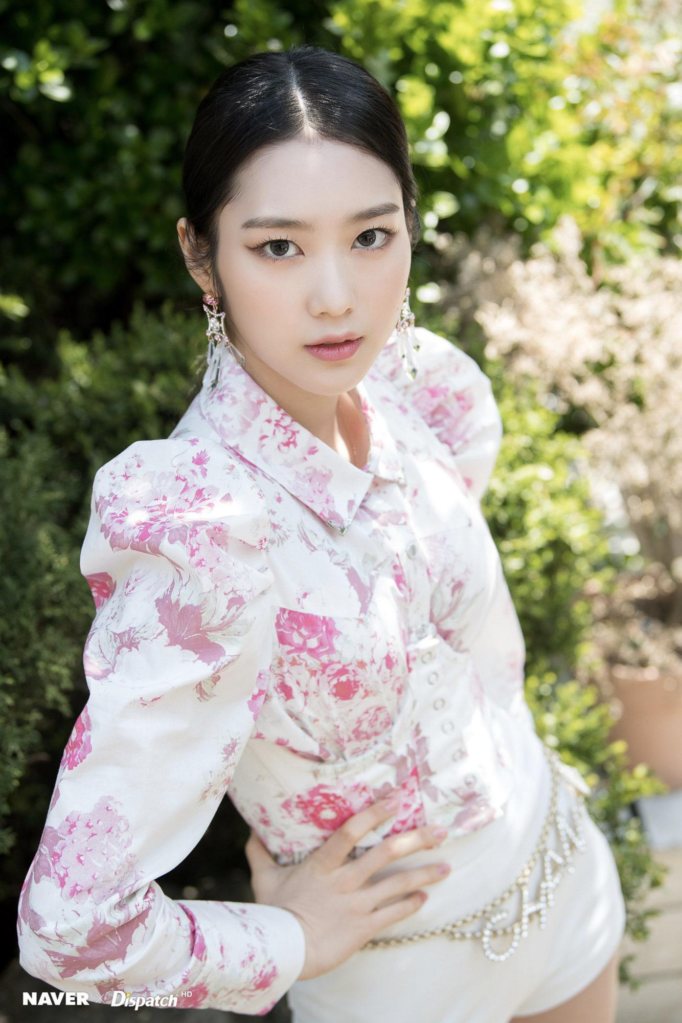 Vị trí thứ 6 tiếp tục thuộc về một thành viên Oh My Girl - Jiho.