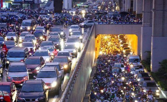 Không quy định 'cứng' việc xe máy phải bật đèn cả ban ngày - Hình minh họa