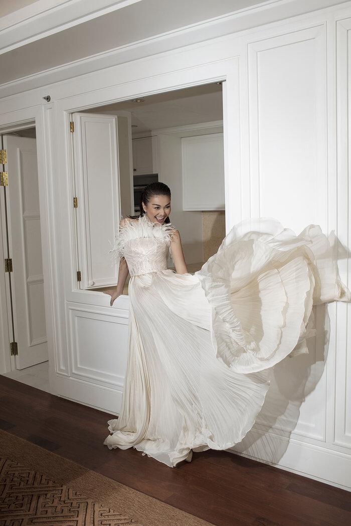 Góc tự hào: Thanh Hằng xuất hiện kiêu kỳ trên Vogue Pháp 2