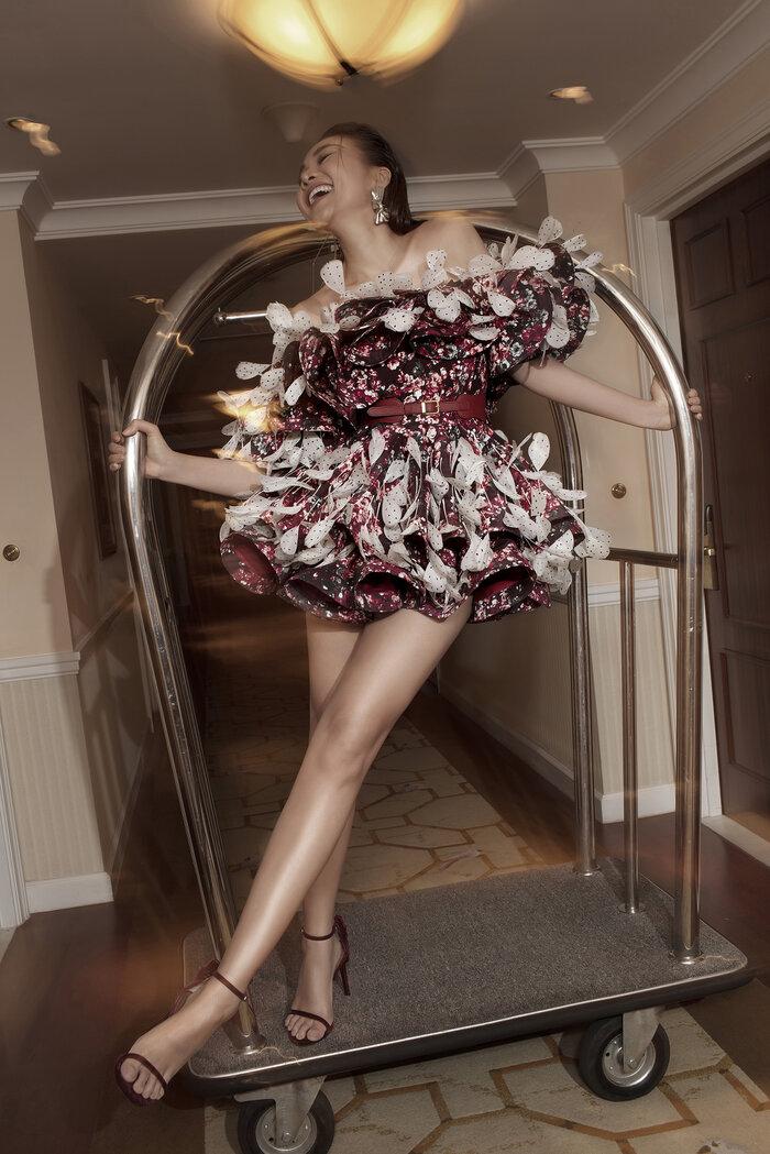 Góc tự hào: Thanh Hằng xuất hiện kiêu kỳ trên Vogue Pháp 4