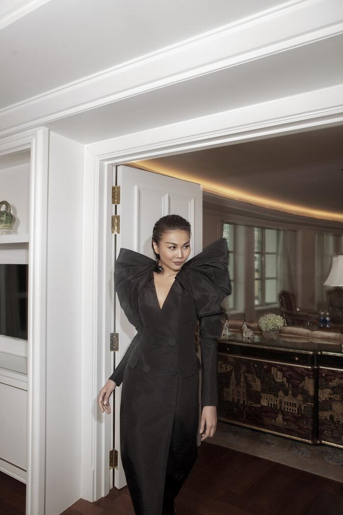 Góc tự hào: Thanh Hằng xuất hiện kiêu kỳ trên Vogue Pháp 5
