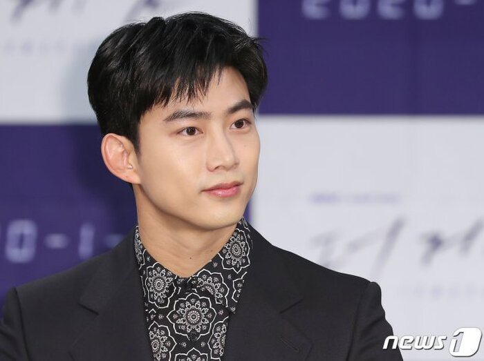 Ok Taecyeon (2PM) xin lỗi vì hẹn hò, Knet: 'Đến cả con trai còn muốn yêu anh ấy' 5