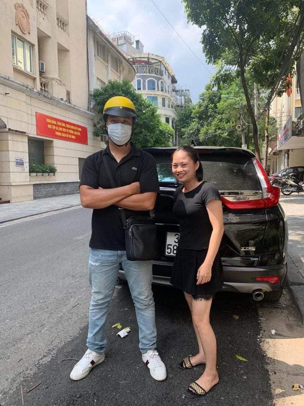 Chàng trai chạy xe ôm chiếm trọn spotlight trong clip đánh ghen trên phố Lý Nam Đế: 'Chị vợ nhờ mình vượt lên chặn đầu xe LX 570 và quay lại sự việc' 3