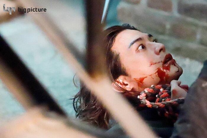 Kim Ji Hoon chính là 'Hoa của quỷ', bật sáng sau 18 năm debut với vai sát nhân khiến Knet ớn lạnh 33