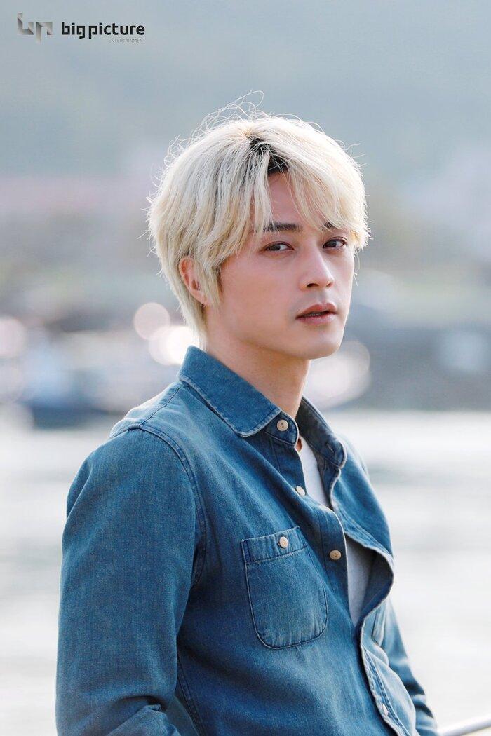 Kim Ji Hoon chính là 'Hoa của quỷ', bật sáng sau 18 năm debut với vai sát nhân khiến Knet ớn lạnh 35