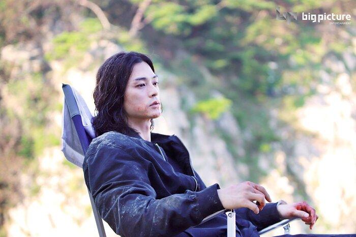 Kim Ji Hoon chính là 'Hoa của quỷ', bật sáng sau 18 năm debut với vai sát nhân khiến Knet ớn lạnh 41
