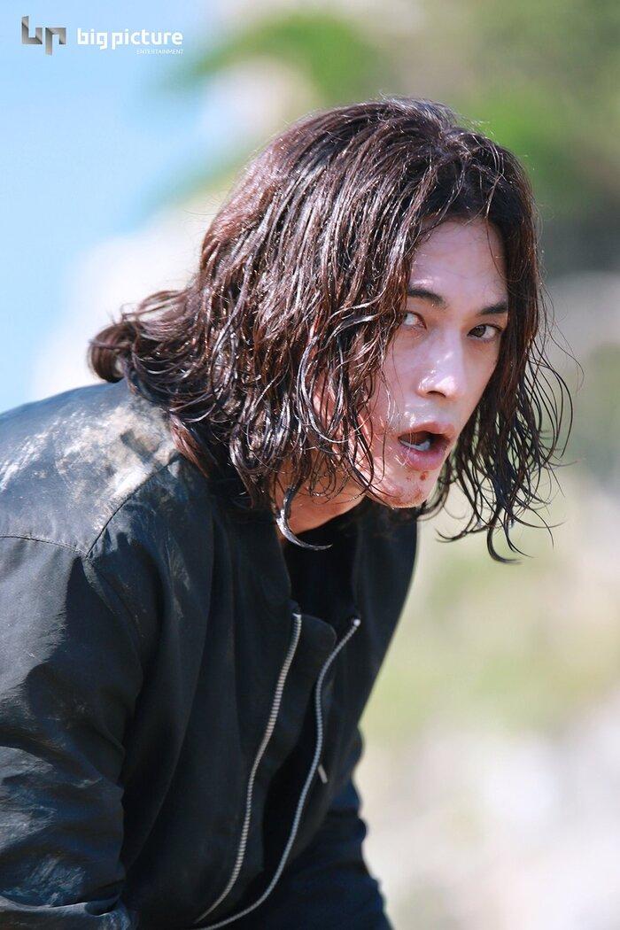 Kim Ji Hoon chính là 'Hoa của quỷ', bật sáng sau 18 năm debut với vai sát nhân khiến Knet ớn lạnh 39
