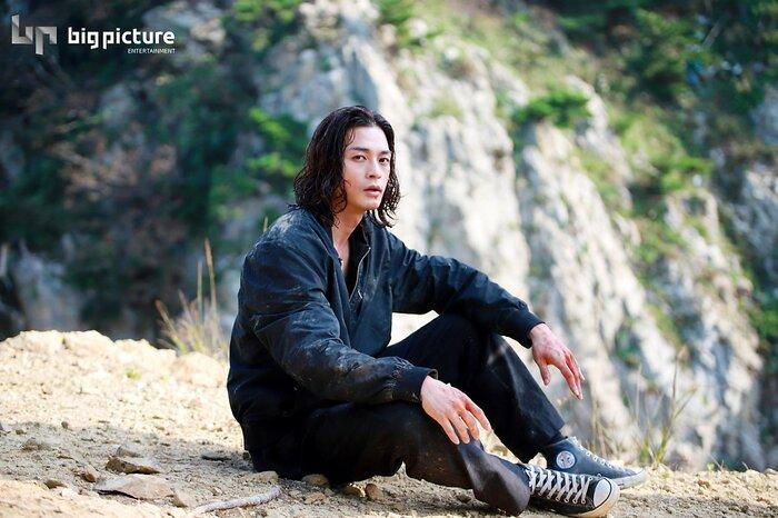 Kim Ji Hoon chính là 'Hoa của quỷ', bật sáng sau 18 năm debut với vai sát nhân khiến Knet ớn lạnh 43