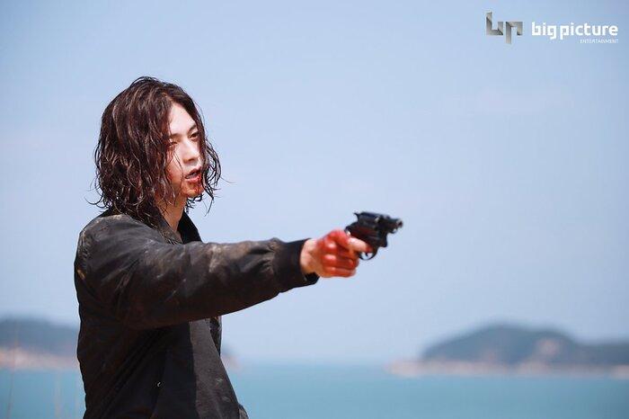 Kim Ji Hoon chính là 'Hoa của quỷ', bật sáng sau 18 năm debut với vai sát nhân khiến Knet ớn lạnh 48