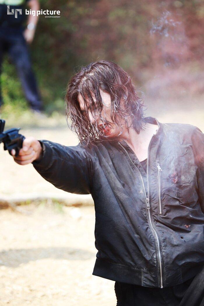 Kim Ji Hoon chính là 'Hoa của quỷ', bật sáng sau 18 năm debut với vai sát nhân khiến Knet ớn lạnh 51