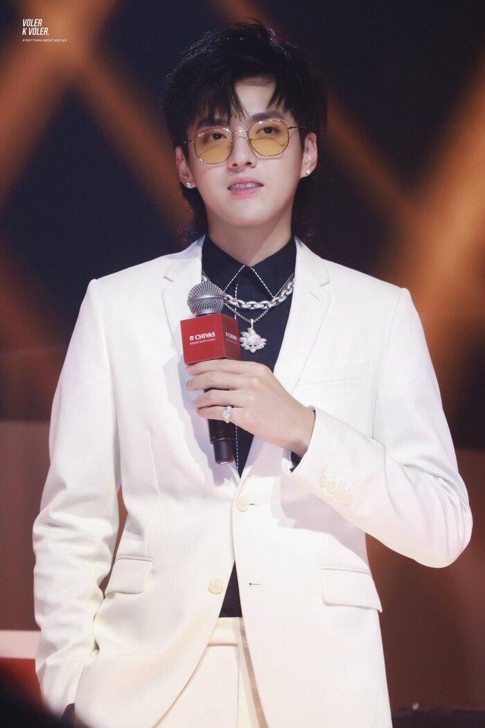 Không biết Kris là Ngô Diệc Phàm, Trịnh Sảng lên thẳng No.1 hotsearch Weibo 1