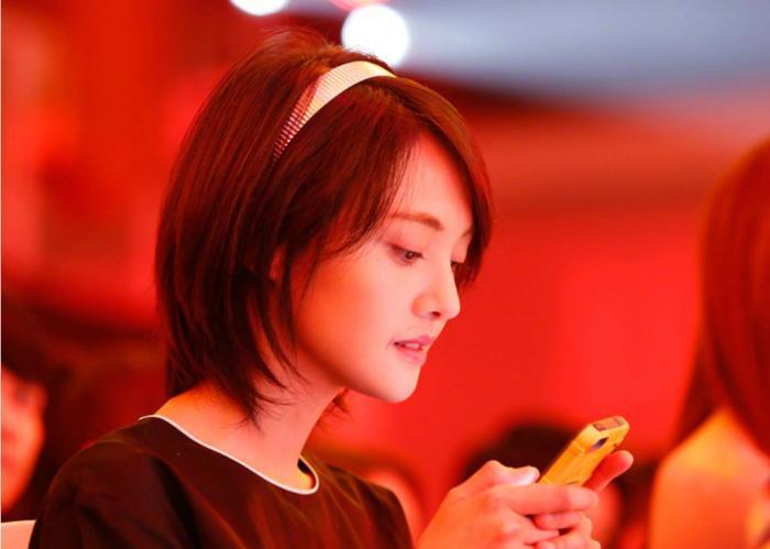 Không biết Kris là Ngô Diệc Phàm, Trịnh Sảng lên thẳng No.1 hotsearch Weibo 6