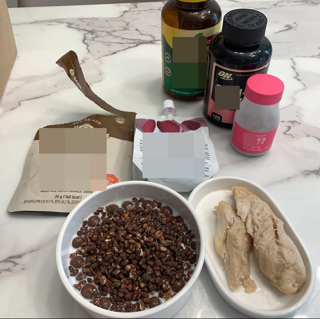 Soi kỹ từ những chia sẻ hàng ngày, phát hiện ra 'thánh ăn' Yang Soo Bin đã ngầm hé lộ 4 tips giúp cô giảm tới 45kg sau hơn 1 năm 10
