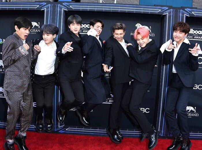 Tính đến nay, BTS đã chiến thắng 4 giải BBMAs. Cơ hội rộng mở cho các chàng trai tiếp tục rinh thêm giải mang về.