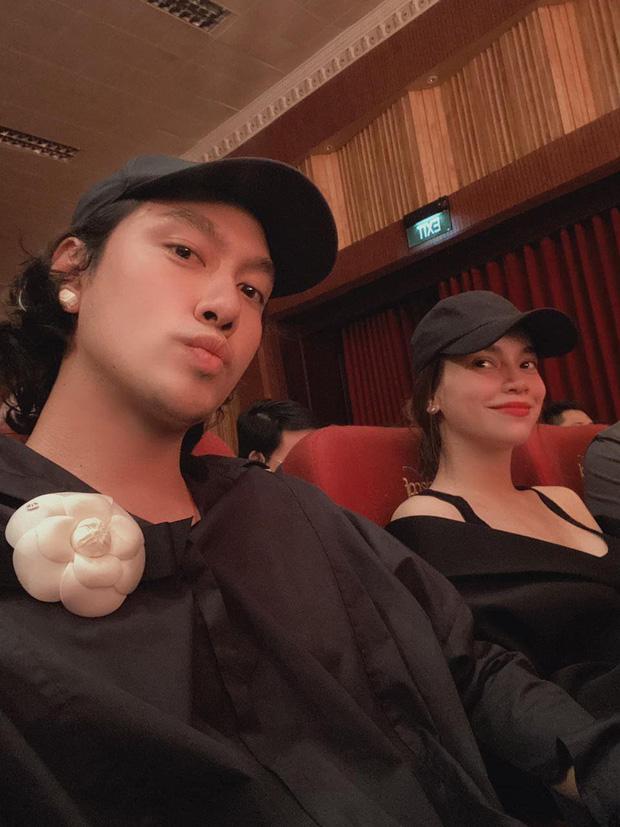 Bạn thân khoe ảnh đi xem phim cùng Hồ Ngọc Hà, nhan sắc đời thường của bà bầu gây chú ý 1